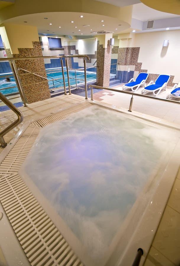 Jacuzzi et piscine photos libres de droits