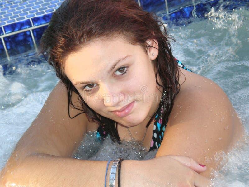 Jacuzzi-Mädchen lizenzfreie stockfotografie