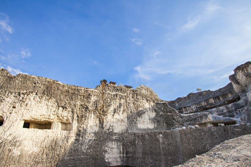 Jaddh Hill Bukit Jaddh,从地质角度看印度尼西亚马杜拉邦卡兰的石灰石山 免版税图库摄影