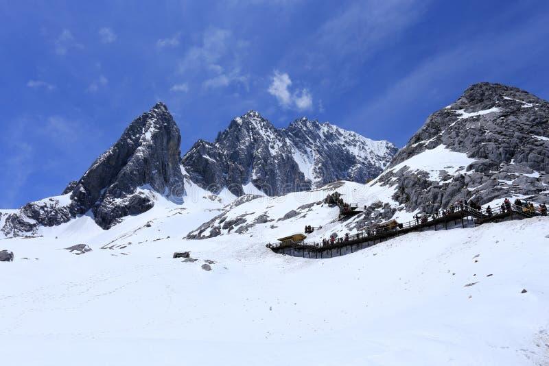 Jade Dragon Snow Mountain imagem de stock royalty free