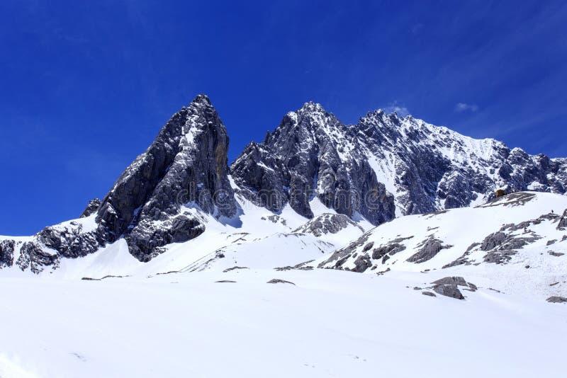 Jade Dragon Snow Mountain fotos de stock