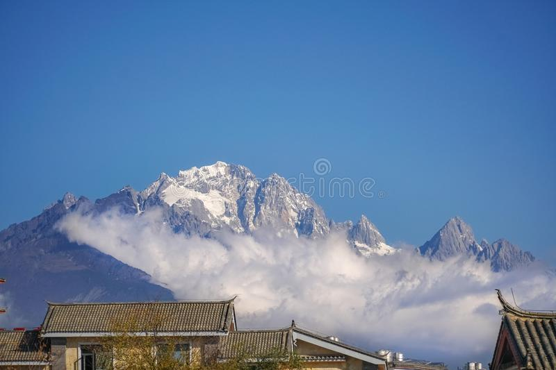 Jade Dragon Snow Mountain, Lijiang, Yunnan China fotos de stock