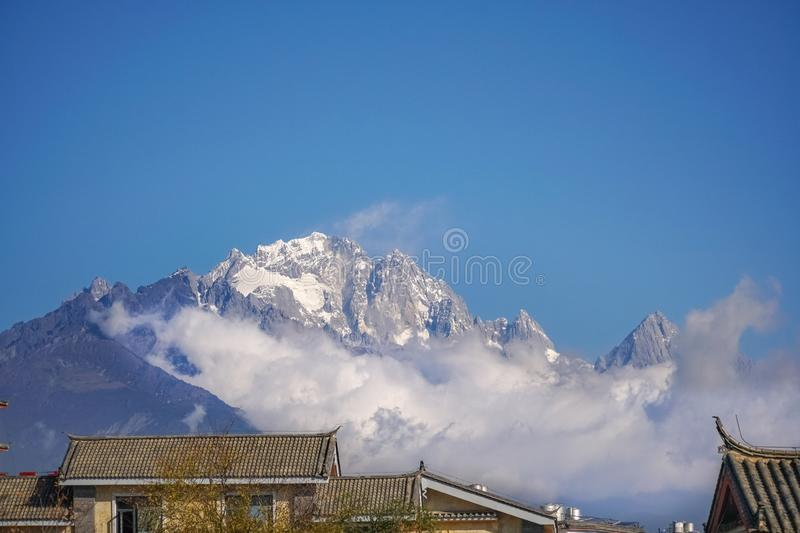 Jade Dragon Snow Mountain, Lijiang, Yunnan China imagens de stock