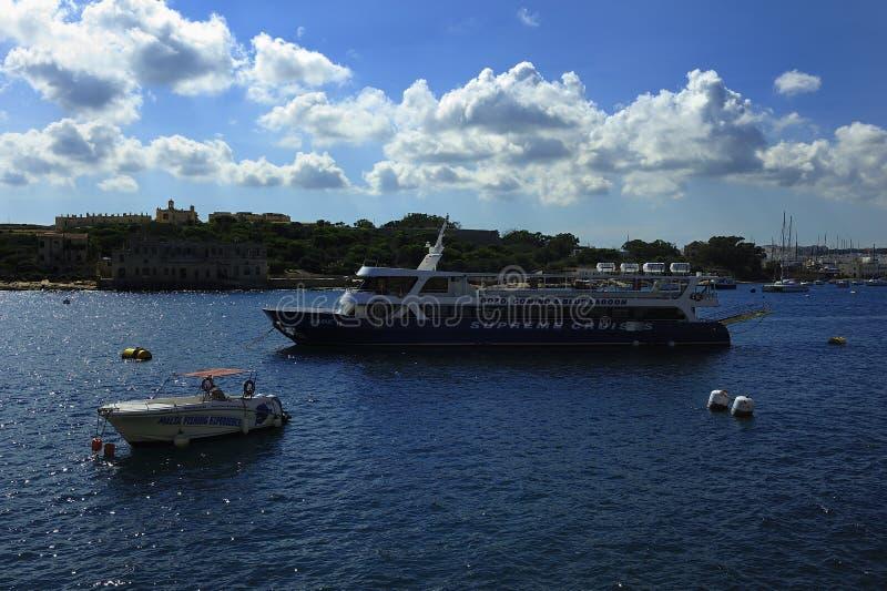 Jade i hamnen av Sliema royaltyfria bilder