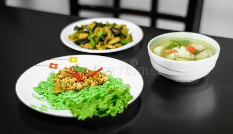 Jade Noodle och grönsak royaltyfri bild
