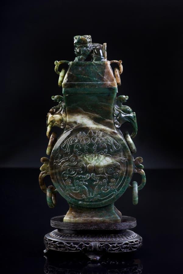 Download Jade-Urne. stockfoto. Bild von dekorativ, handmade, orientalisch - 27731744