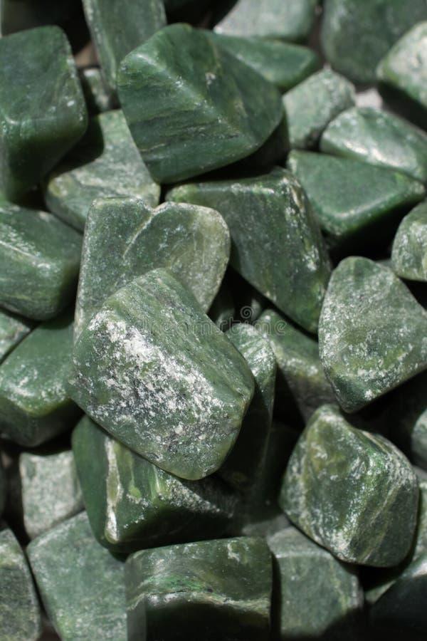 Jadeedelsteinstein als natürlicher Mineralfelsen stockfoto