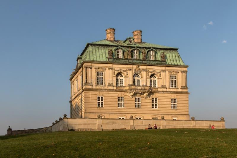 Jaegersborg Dyrehave, Дания - октябрь 2018: Дворец звероловства Eremitager стоковые изображения