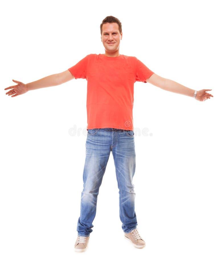 Jaens vermelhos do t-shirt do estilo ocasional do indivíduo do homem novo isolados fotos de stock