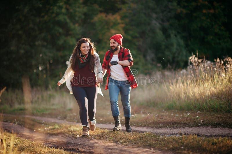 Jag älskar spring i fältet arkivfoton