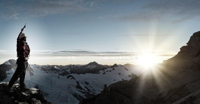 Jag har slutligen nått toppmötet! fotografering för bildbyråer