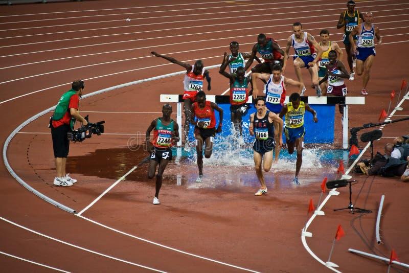 jaga kyrktornen för löpare s för män den olympic royaltyfri bild