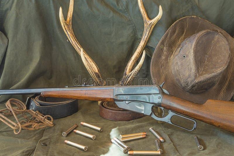 Jagd der Ausrüstung in der Westart lizenzfreies stockfoto