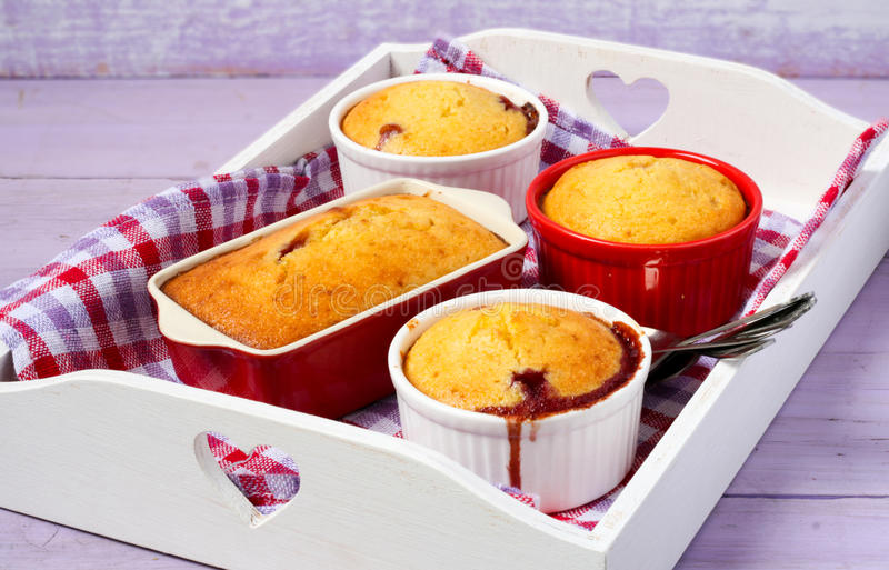 Jagodowy i migdałowy pudding zdjęcia royalty free