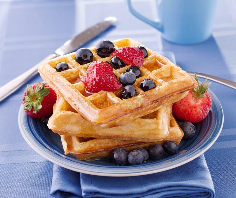 jagody breakfast gofry fotografia stock