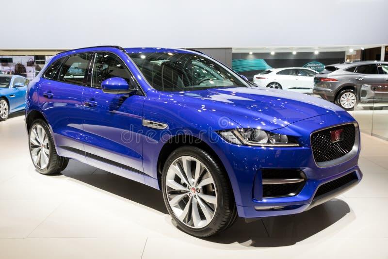 Jaguar F-hastighet SUV bil 2017 fotografering för bildbyråer