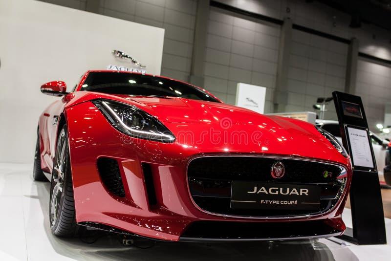 Jaguar F-typ kupé arkivfoton