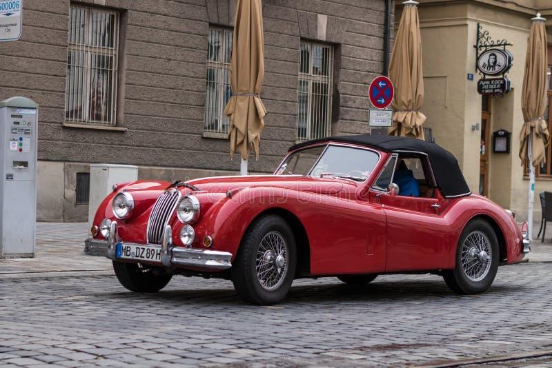 Jaguar oldtimerbil royaltyfri bild