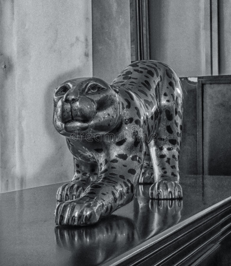 Jaguar-standbeeld stock foto's