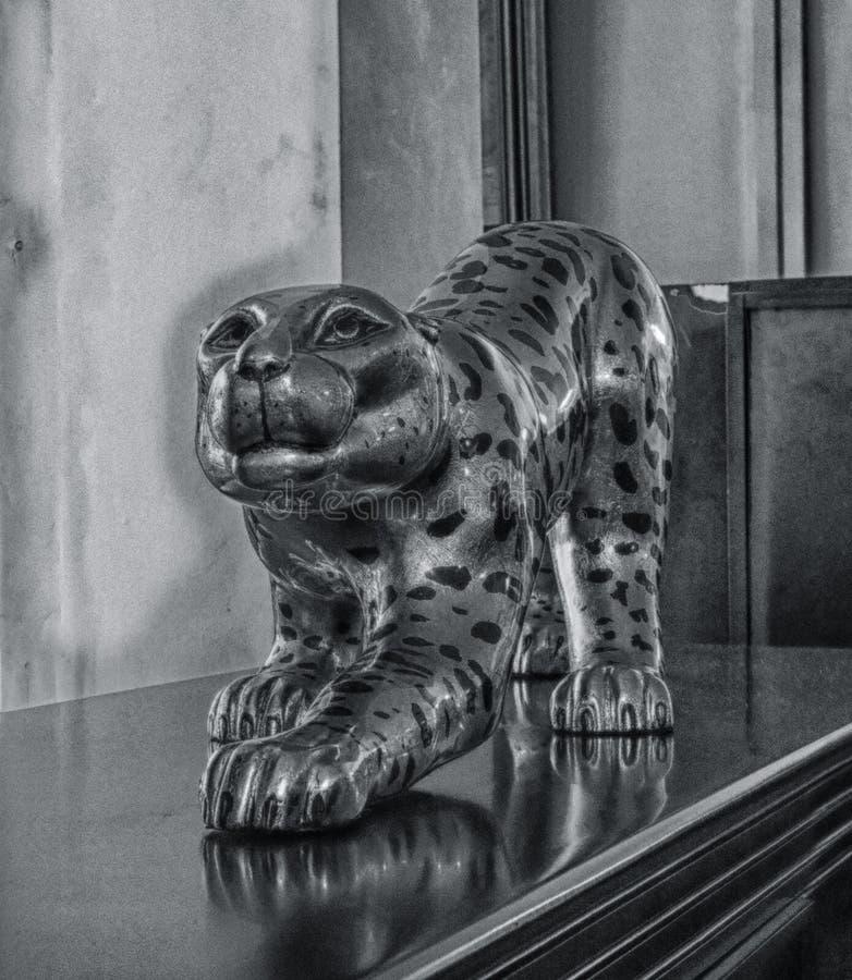 Jaguar statua zdjęcia stock