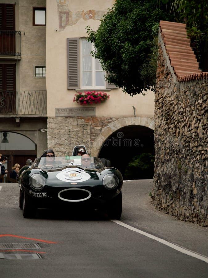 Jaguar typ przy Bergamo Historyczny Uroczysty Prix 2015 obrazy stock