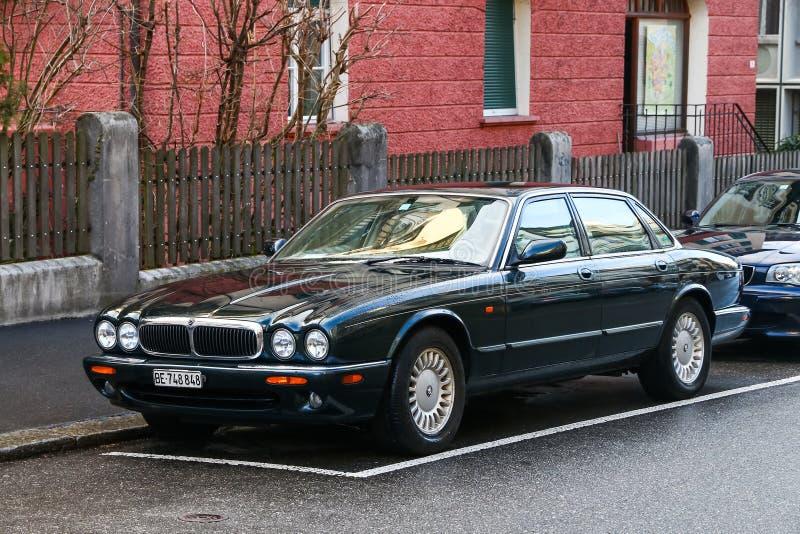 Jaguar XJ lizenzfreie stockbilder