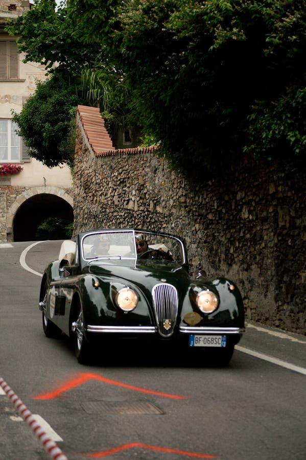 Jaguar XK120 przy Bergamo Historyczny Uroczysty Prix 2015 fotografia royalty free