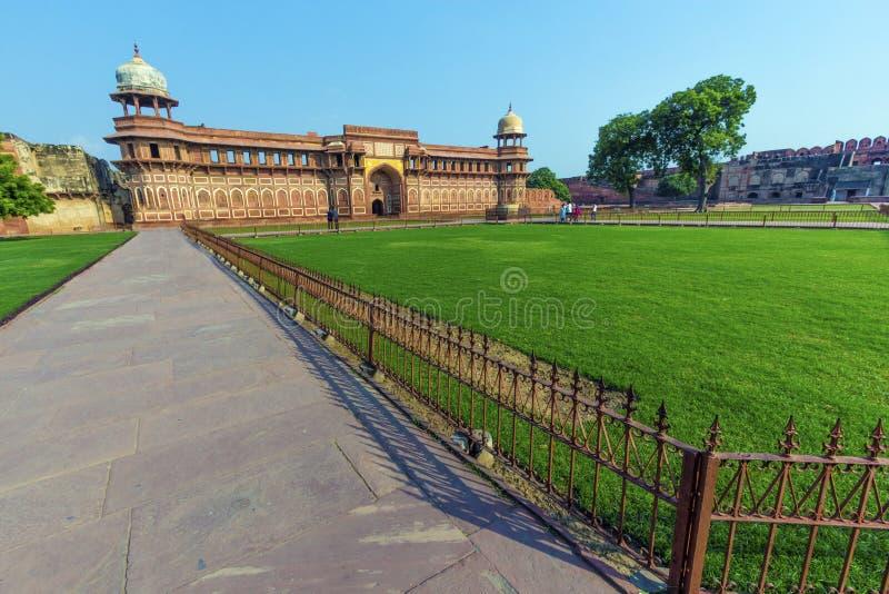 Jahangiri Mahal dans le fort de rouge d'Âgrâ photo stock