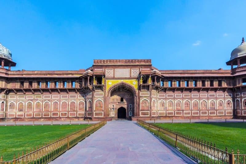 Jahangiri Mahal dans le fort de rouge d'Agra photos libres de droits