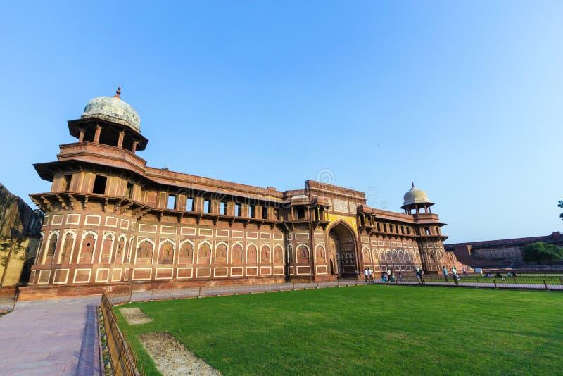 Jahangiri Mahal dans le fort rouge à Âgrâ images stock