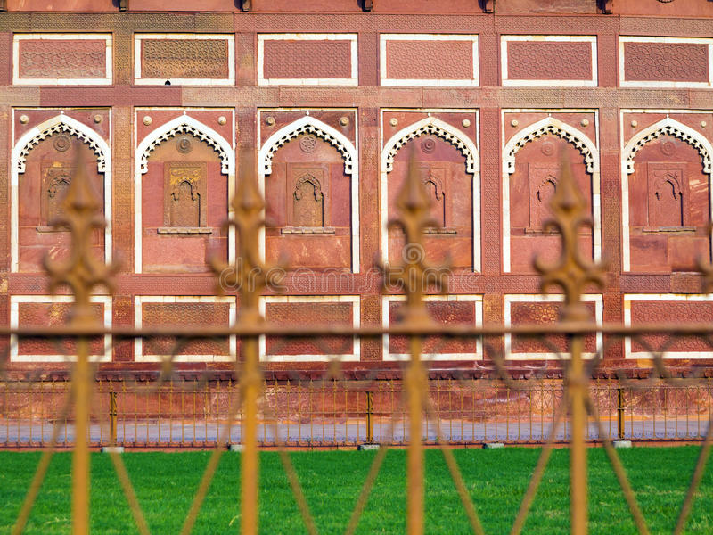 Jahangiri Mahal dans le fort rouge à Âgrâ photos stock