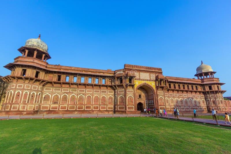 Jahangiri Mahal dans le fort rouge à Âgrâ photographie stock
