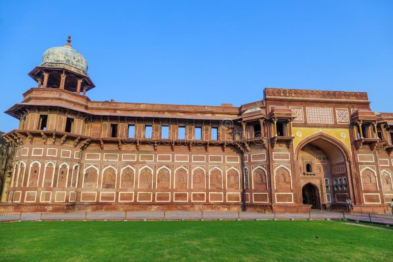 Jahangiri Mahal dans le fort rouge images libres de droits