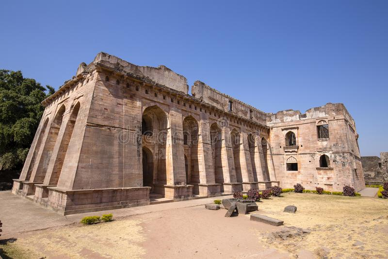 Jahaz玛哈尔,日出的船宫殿 Mandu,中央邦 印度 免版税库存照片
