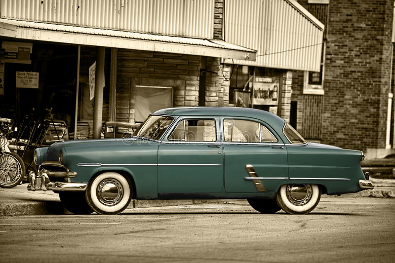 Jahr-Heimatstadt-Automobil stockfotos