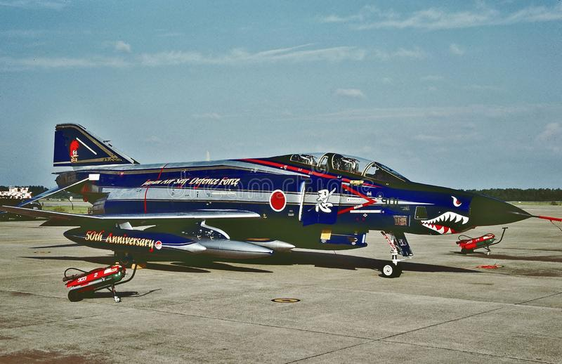 Jahrestagsfarbe JASDF 50. auf einem RF-4EJ im Jahre 2005 stockbilder