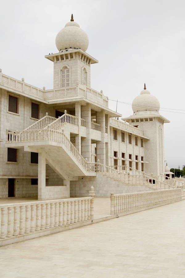 Jaigurudeo Tempel durch die Delhi-Agra-Datenbahn, Indien stockfotos