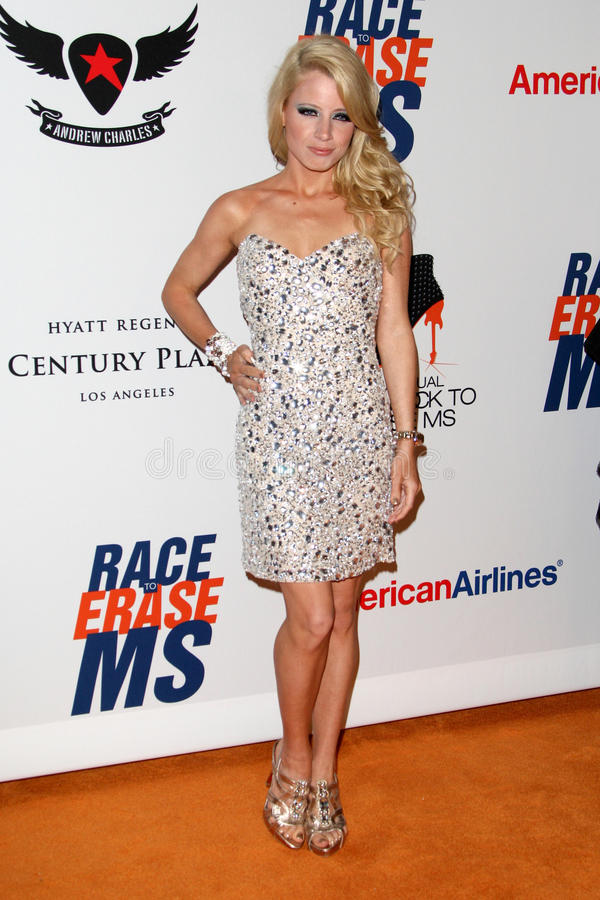 Jaimie Hilfiger arrives at the 19th Annual Race to Erase MS gala