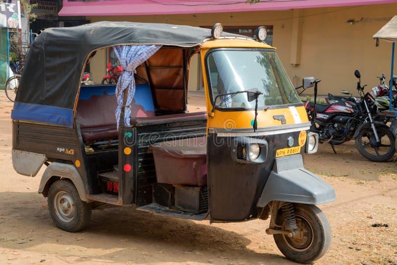 JAIPUR, INDIA - CIRCA NOVEMBER 2017: Autorikshaw in straat royalty-vrije stock afbeeldingen
