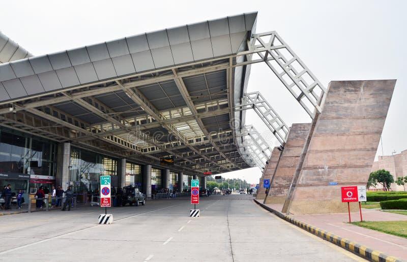 Jaipur, India - Januari 3, 2015: Passagier bij de Luchthaven van Jaipur royalty-vrije stock fotografie