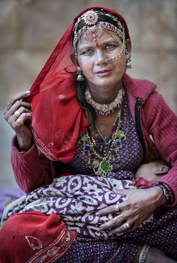 从Jaisalmer地区,印地安国家的Bopa吉普赛妇女的拉贾斯坦 免版税库存照片