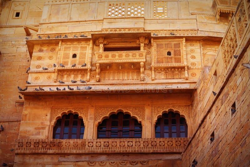 Jaisalmer, Rajasthan, India Arquitetura indiana tradicional - R imagens de stock royalty free