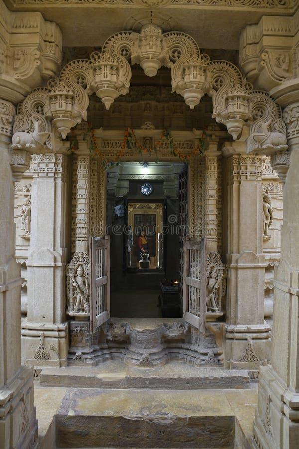 JAISALMER, RAJASTHAN, INDIA, November 2018, Devotee at Shri Mahaveer Jain temple inside Golden Fort stockbild