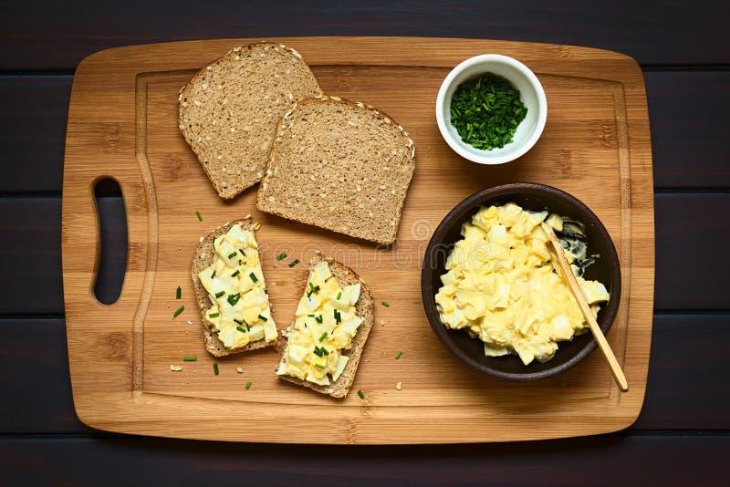 Jajeczna Sałatkowa kanapka zdjęcia stock