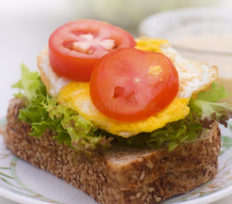 Jajeczny kanapka talerz fotografia royalty free