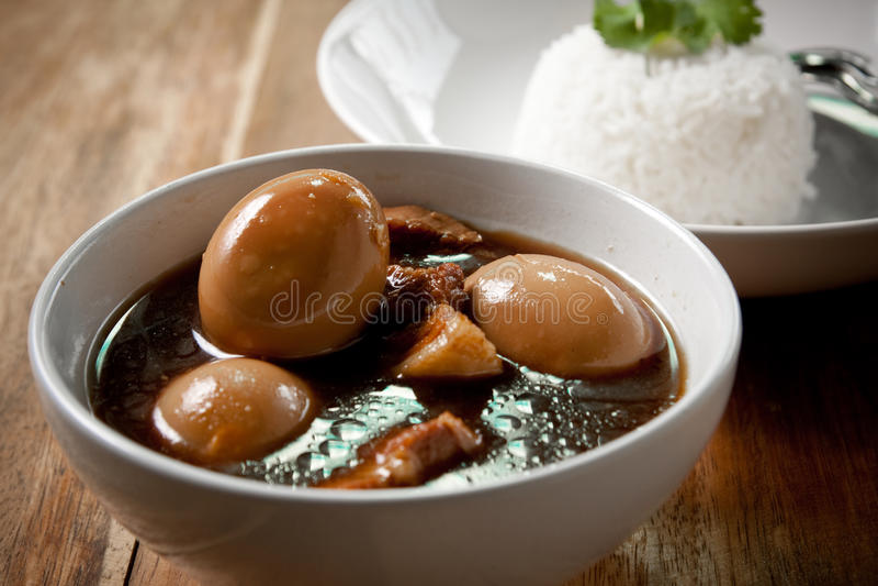 jajeczny wieprzowiny ryż gulasz fotografia stock