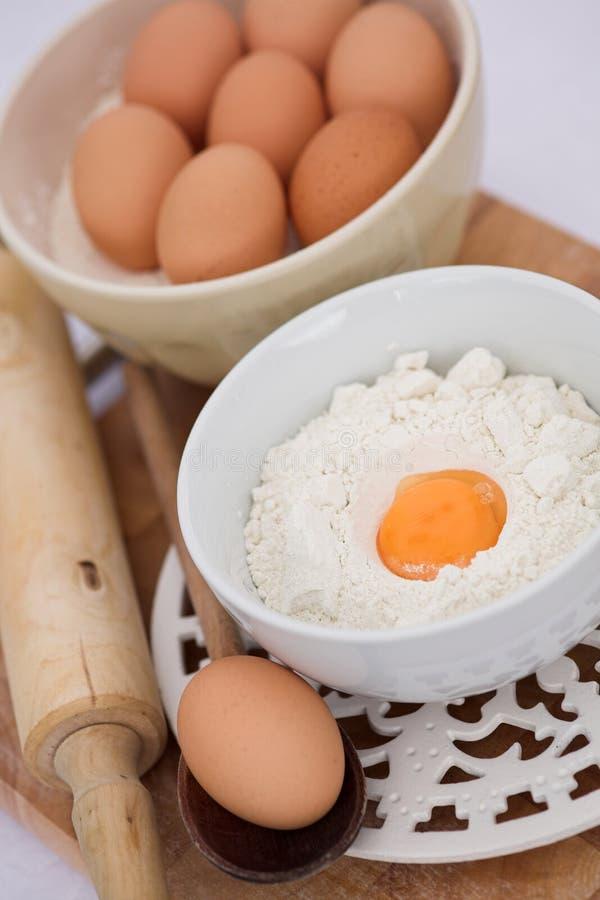 jajka flour więcej target323_1_ szpilek zdjęcie royalty free