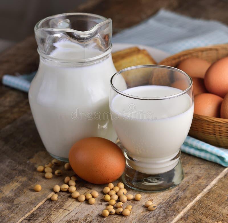 Jajka mleko i soje zdjęcie royalty free