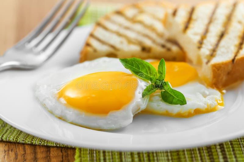 jajka smażący zdjęcie stock
