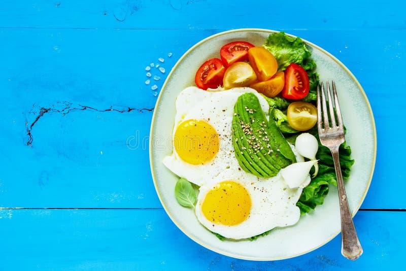 jajka smażyli warzywa obraz royalty free